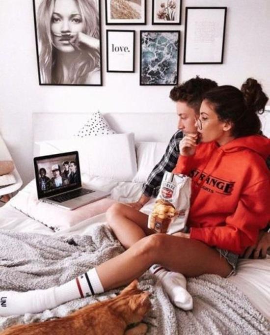 ดูทีวีด้วยกัน