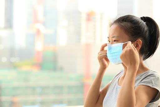 การใช้หน้ากากอนามัยที่ถูกต้อง เพื่อป้องกันเชื้อโรคเข้าสู่ร่างกาย